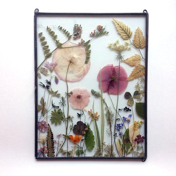 Black flowerframe by Tuin van Judith